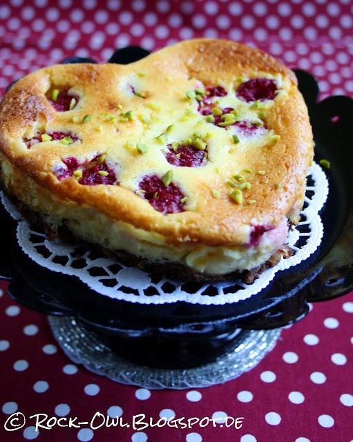 http://rock-owl.blogspot.de/2016/02/herziger-vanilla-raspberry-cheesecake.html
