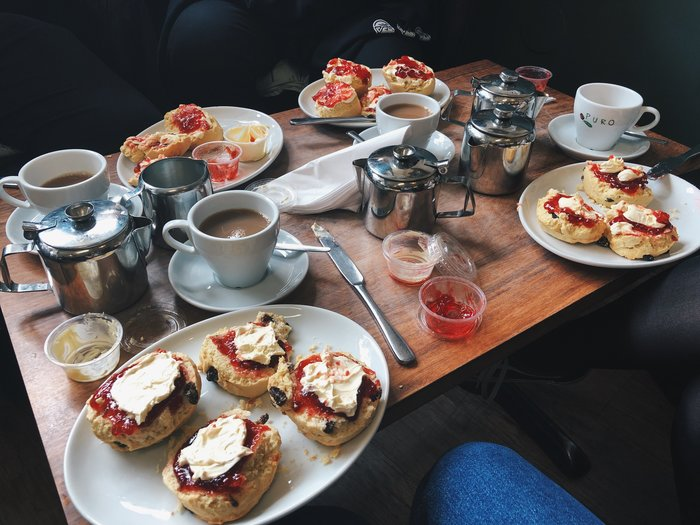 Finding the best cream tea on the south coast: The Greenwood Tree Cafe Lyndhurst.