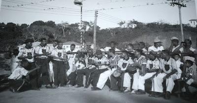http://velhosmestres.com/br/pastinha-1950