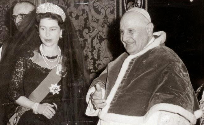 Queen+Pope+John+XXIII+1961.JPG