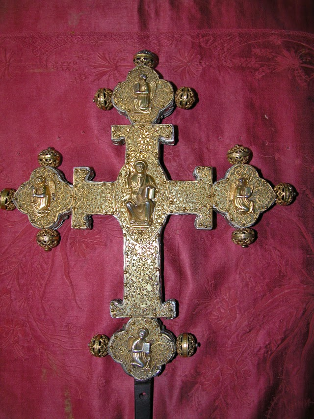 Ο Τίμιος Σταυρός της εκκλησίας της Αγίας Καικιλίας στο Κόμο της Ιταλίας http://leipsanothiki.blogspot.be/