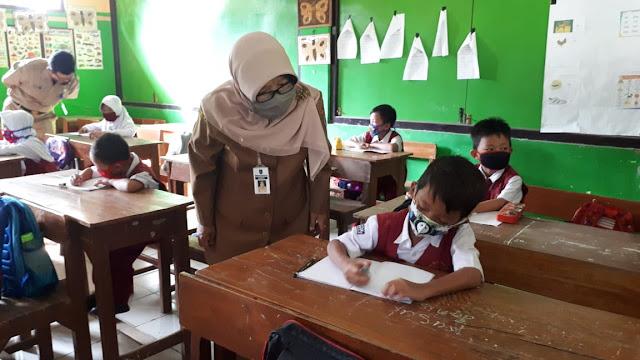 KBM Tatap Muka Diluar Zona Hijau Akan Diizinkan, Jumlah Kelas Dibatasi dan Durasi Berajar Dipersingkat