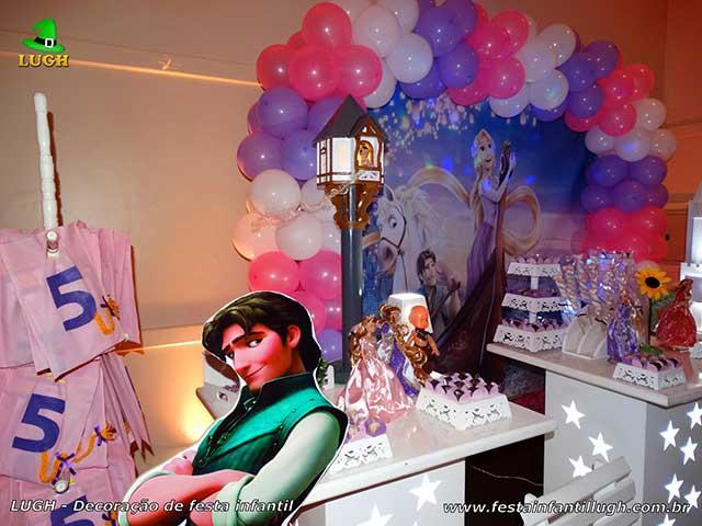 Mesa decorada de aniversário Os Enrolados - Rapunzel