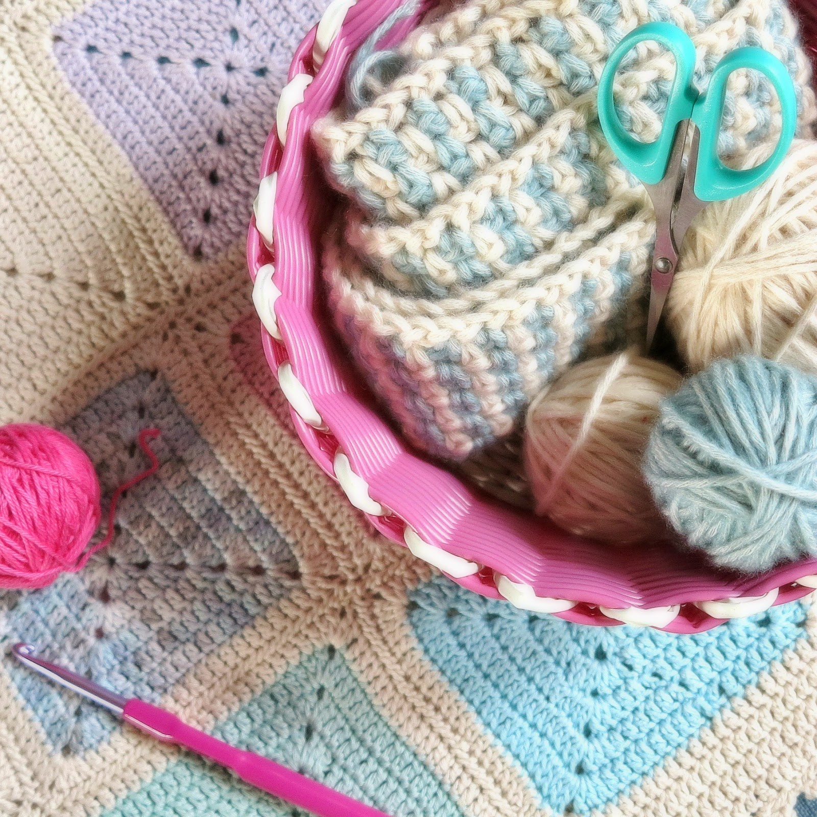 ByHaafner, yarn, basket, brights and pastels