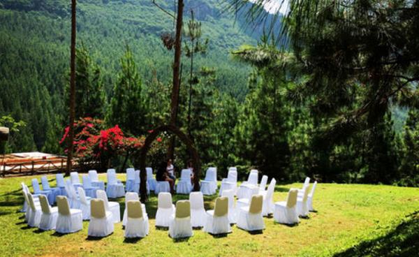 Bikin Acara Nikahan di The Lodge Maribaya
