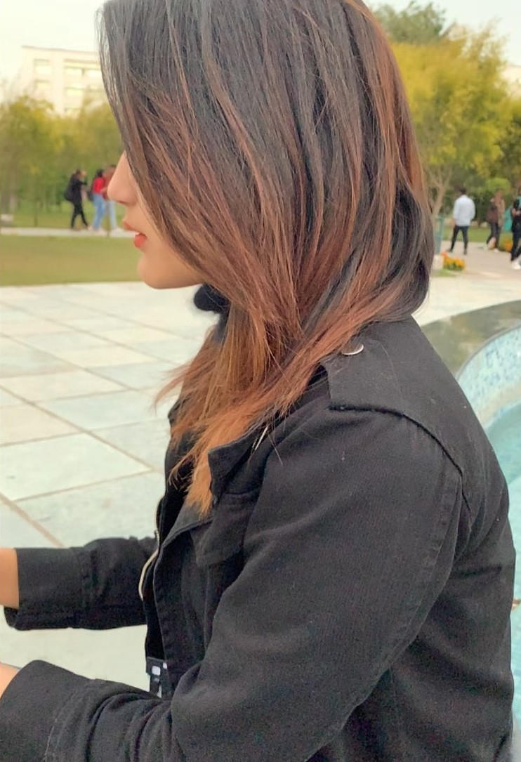Komal Negi hairstyle pic, cute girl hide face pic