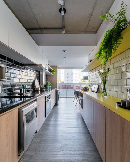 kitchen-subway-tiles