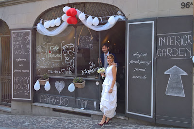 Everyday scenes of Bergamo: Papavero-style wedding.