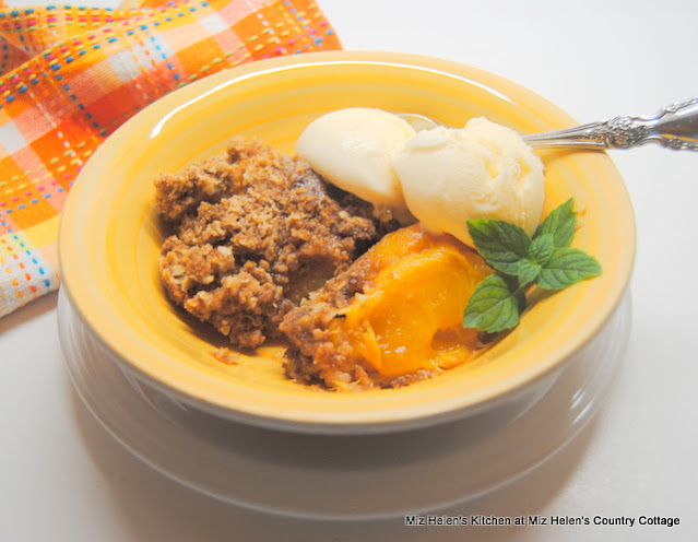 Old Fashioned Peach Crisp at Miz Helen's Country Cottage