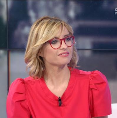 bella conduttrice bionda Monica Giandotti Unomattina 18 giugno foto