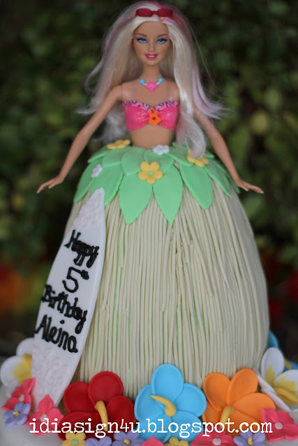 Hawaiian Barbie Luau Fondant Birthday Cake by ilovedoingallthingscrafty.com
