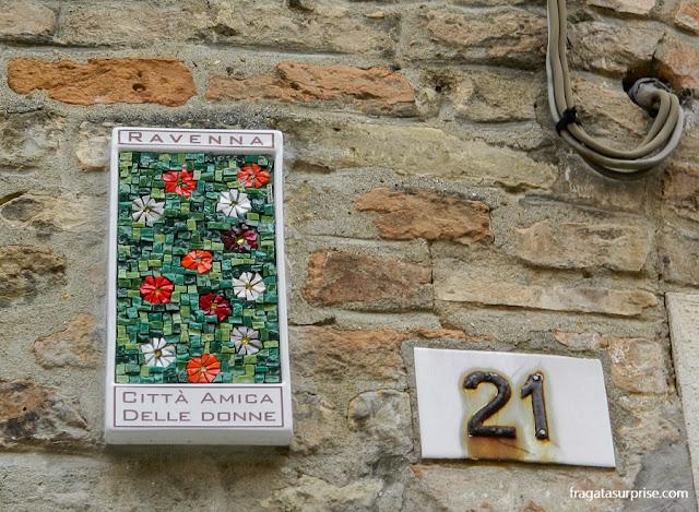 Mosaico em uma rua de Ravena, Itália