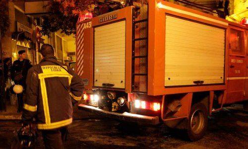 Νταλίκα που κινούνταν στην Ιόνια, στο ρεύμα προς Ιωάννινα πήρε φωτιά. Το όχημα με Βουλγάρικες πινακίδες μετέφερε πορτοκάλια.