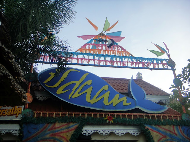 ISDAAN Floating Restaurant and Park