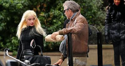 Kevin Costner şi Amber Heard în 3 Days To Kill