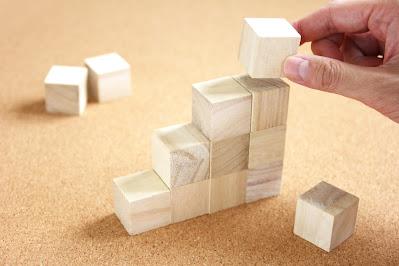 正方形積み木を積み上げる