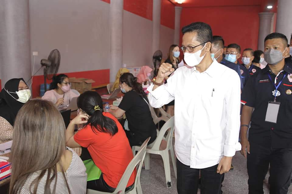 Tinjau Vaksinasi Masyarakat Perkumpulan Teochew Batam, Amsakar : Jangan Ragu Untuk Divaksin