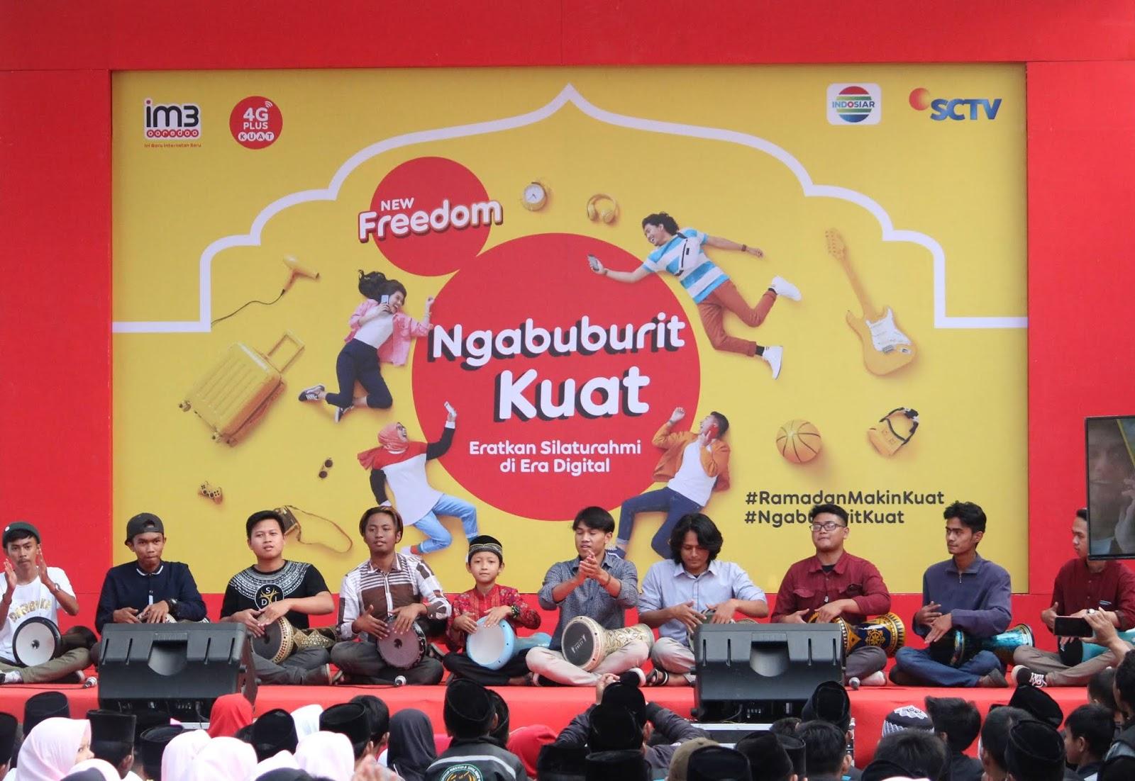 Ngabuburit Kuat Bareng IM3 Ooredoo di Masjid Pusdai Bandung