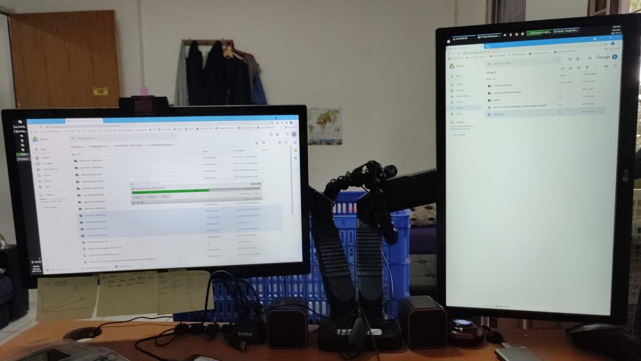 PC kerja dual monitor landscape + potrait