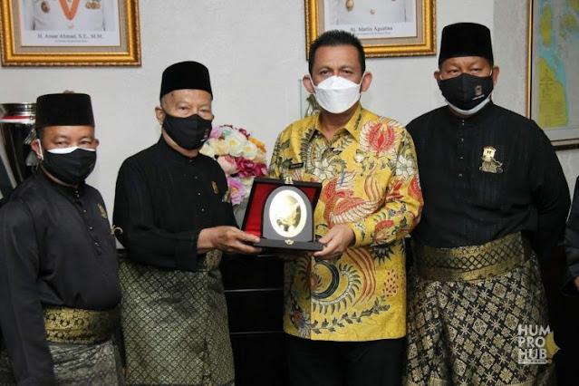 Gubernur Kepri Sambut Baik Inisiatif LAM Kepri Menerapkan Kaidah Peradatan Melayu