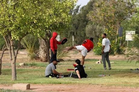 أخبار المغرب: انطلاق حملة التلقيح يفضي إلى استهتار مغاربة بإجراءات محاربة جائحة فيروس كورونا المستجد بالمغرب corona virus كوفيد19 covid19