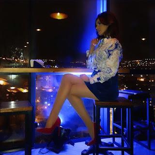 Տաթև Սարգսյանի սիրելին տեսե՞լ է, թե նա ինչ կարճ զգեստով է տանից դուրս գալիս