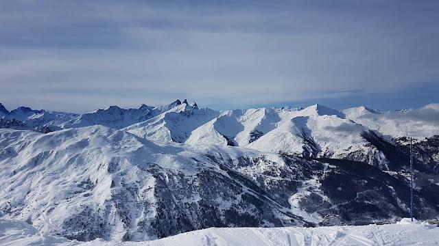 Zimowy krajobraz francuskich Alp