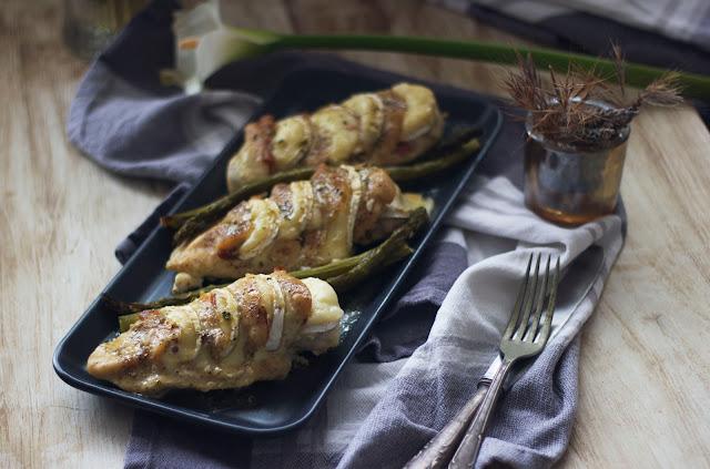 Pechugas de pollo con rulo de cabra y bacon