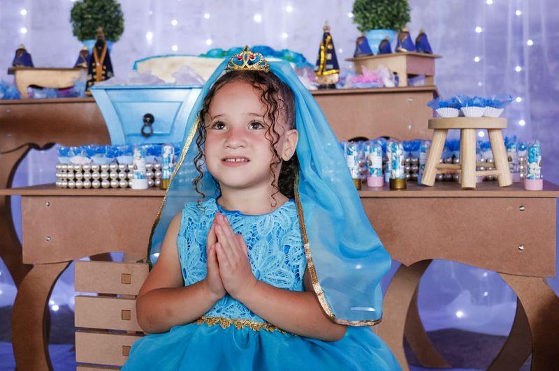 Após vencer tumor menina de 5 anos pede festa de aniversario com tema de Nossa Senhora Aparecida