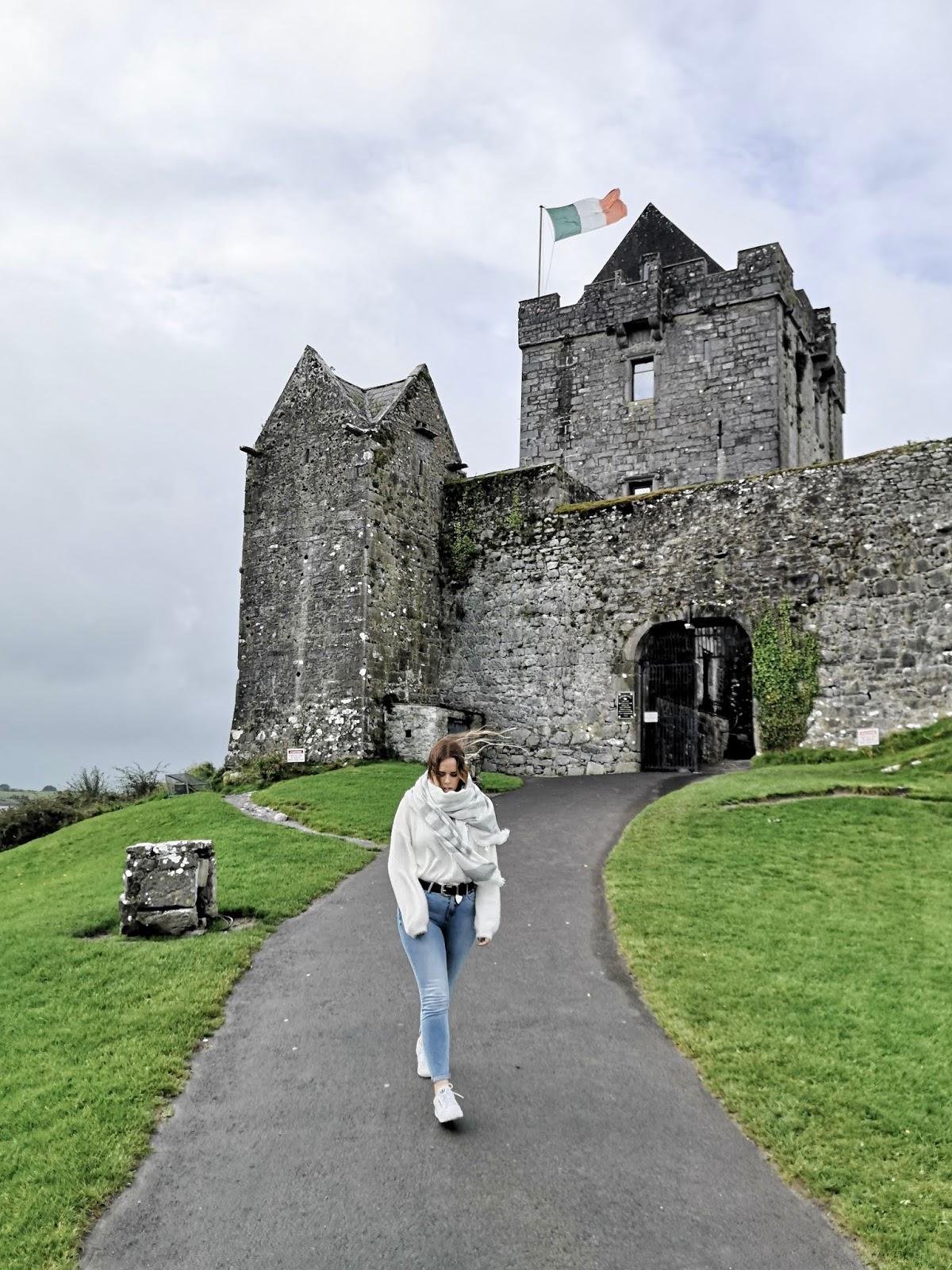 Gunguaire Clastle, Kinvara (Ireland)