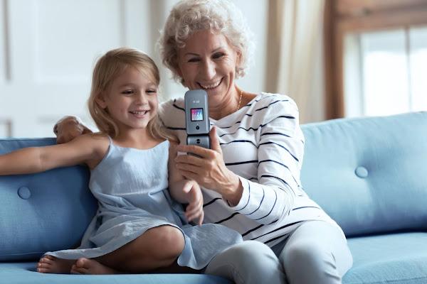 Dia dos Avós: Como ajudar os mais velhos a compreender a tecnologia