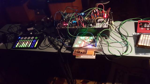 JonDent - Exploring Electronic Music