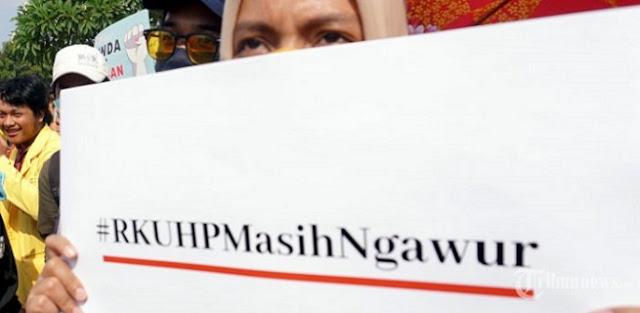 Ramai-ramai Tolak RKUHP, Ratusan Ribu Orang Tanda Tangani Petisi
