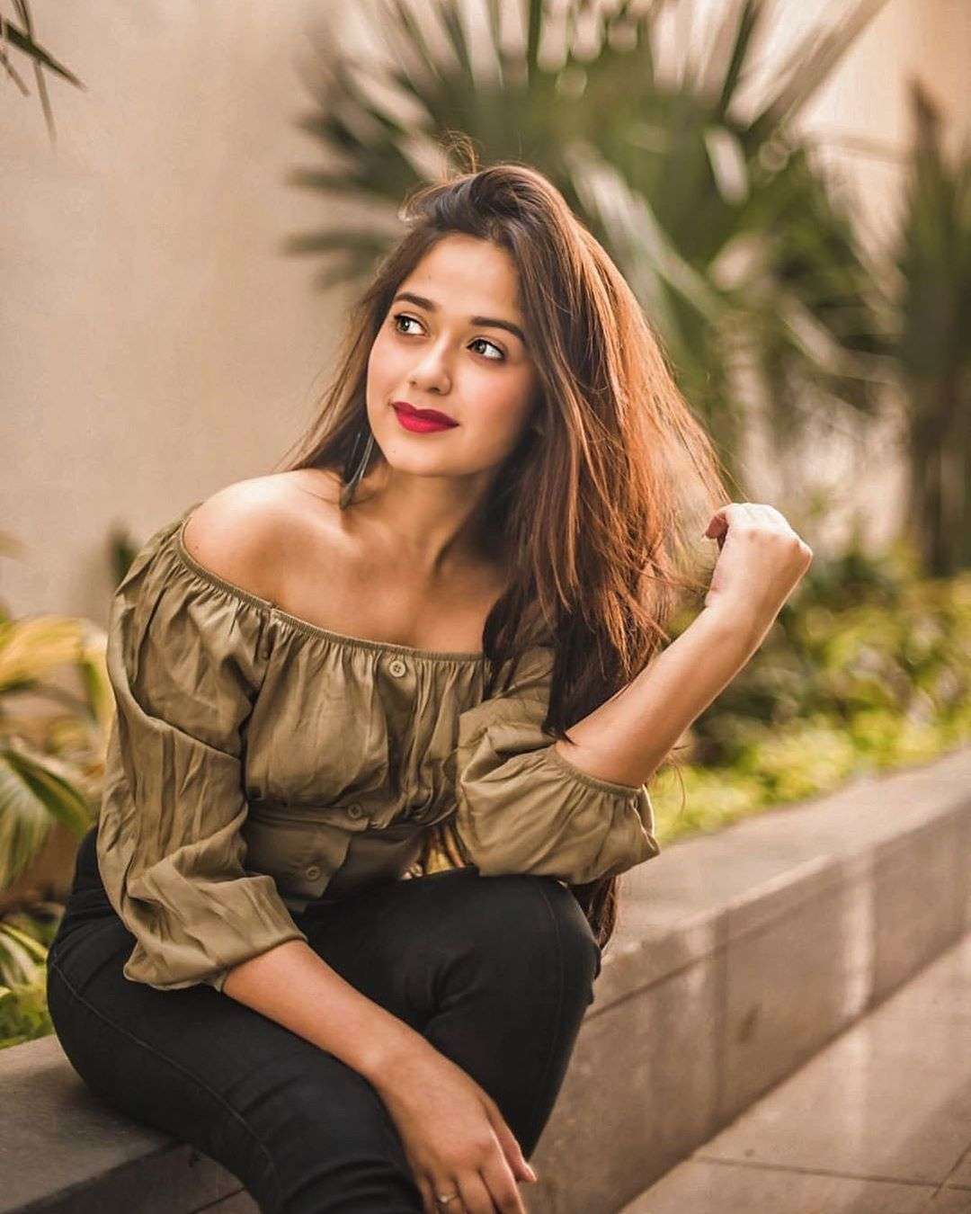 Stylish Jannat Zubair Photo