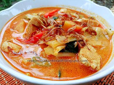 Menikmati masakan berkuah hangat yang lezat serta gurih dengan cara menciptakan yang sederhana Resep Tongseng Ayam Santan Bumbu Sederhana Rumahan