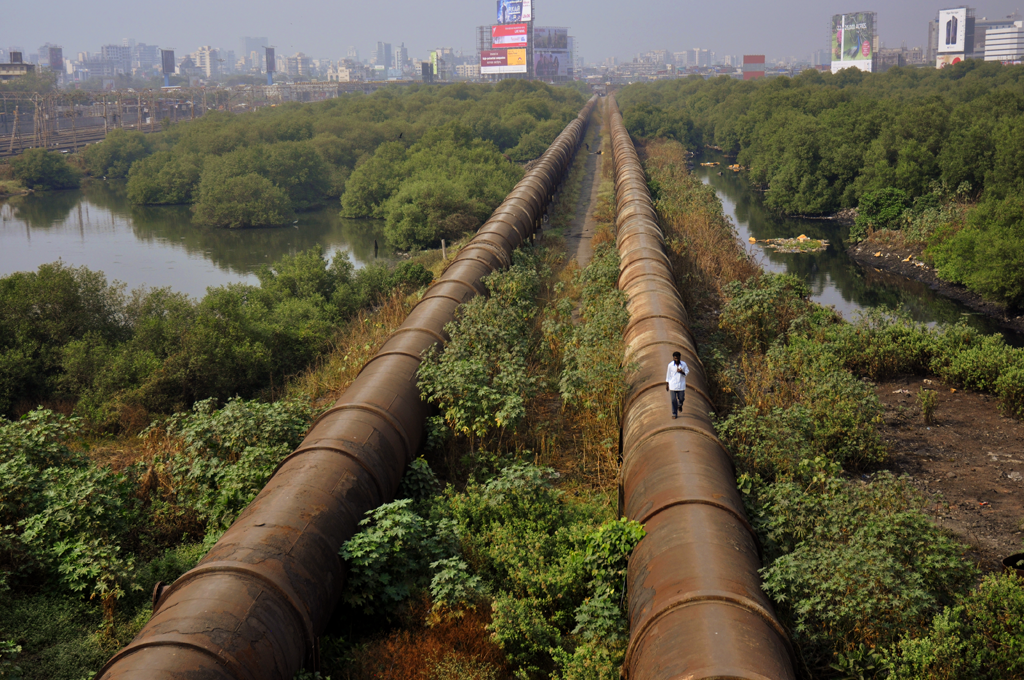 Photo of Mahim - Bandra pipeline in India submitted to the weekly challenge 'Urban Landscape' on Better Photography.