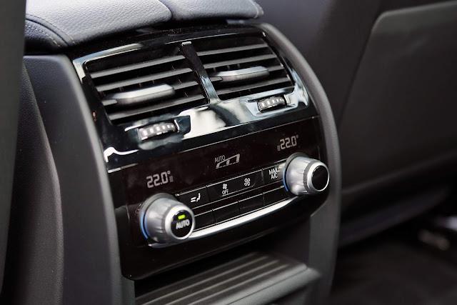 Novo BMW Série 5 2018 - ar-condicionado - saída traseira