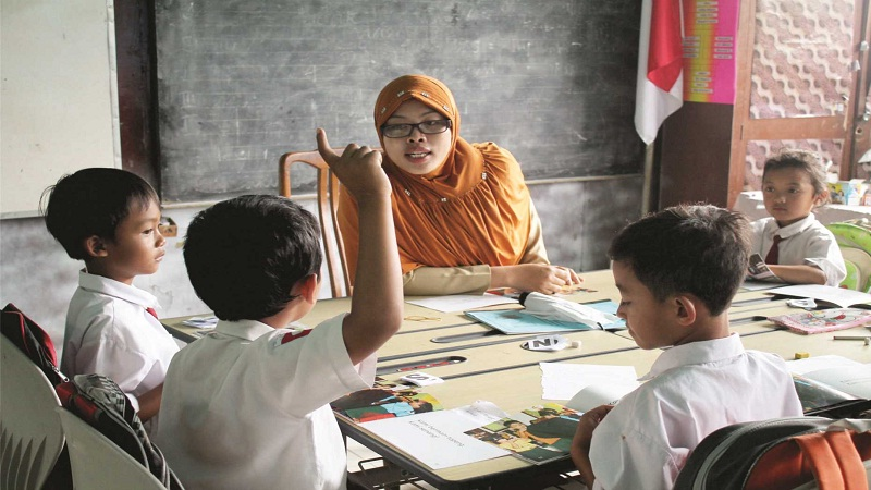 Menjadi Guru SD Harus Siap Stok Sabar, Simak Kiat-Kiatnya