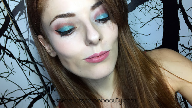 Resultado maquillaje de tarde en tono turquesa con sombras KIKO.