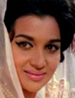 Asha Parekh songs, age, actress, family, husband name, movies, husband photo, daughter, biography, house, date of birth, now, husband, images, marriage photos, death, son, nasir hussain
