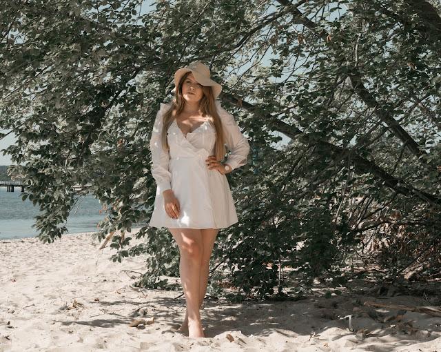 Biała Kopertowa Sukienka