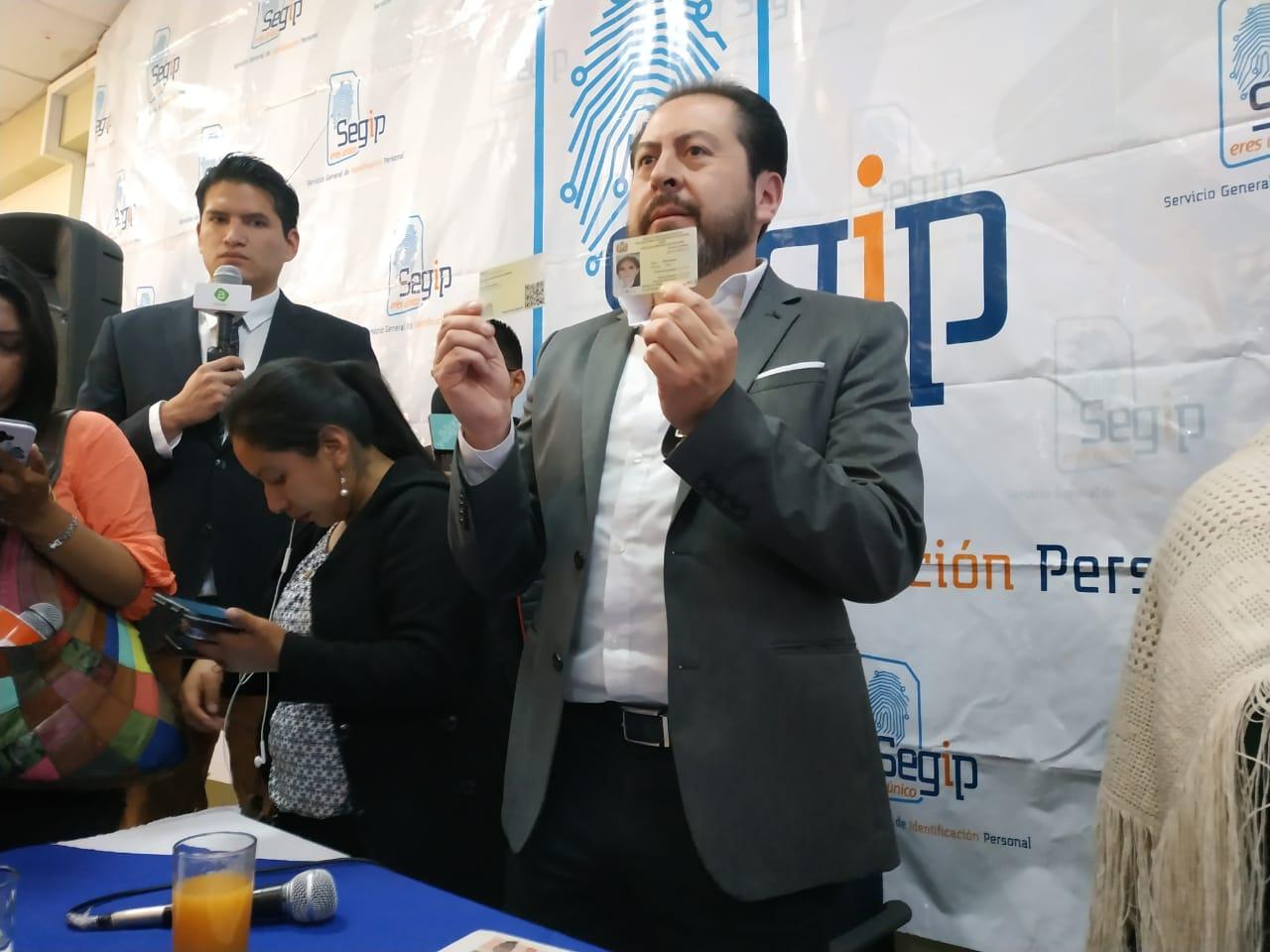 El director del SEGIP explicó que las cédulas vigentes tienen validez hasta su recambio por las electrónicas / ÁNGEL SALAZAR