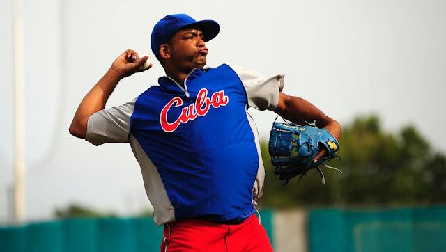 En Cuba 'el Despa', como le conocen sus más allegados, lanzó 8 temporadas, todas con Industriales, donde acumuló 3 campañas de al menos 10 triunfos