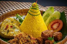 Nasi Kuning Kuliner Tradisional Nusantara