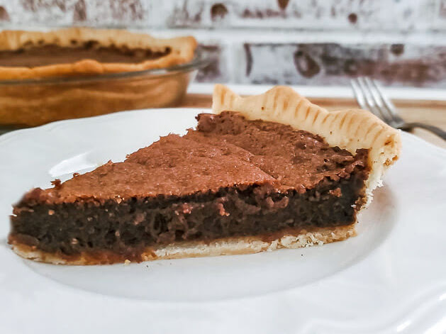 Easy Homemade Chocolate Fudge Pie
