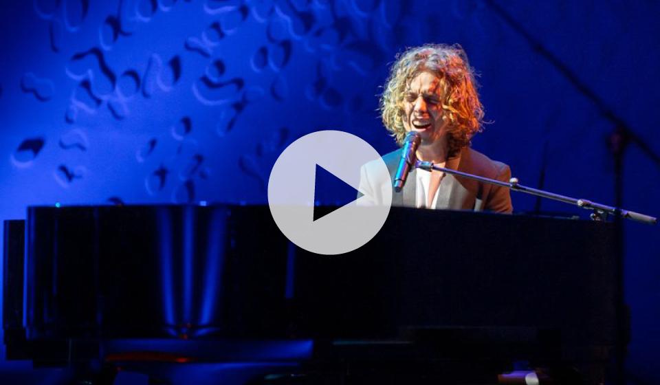Gratis: E-koncert med Mads Langer