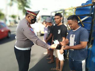 Gelar Operasi Protokol Kesehatan Dan Ketertiban Lalu Lintas, Sat Lantas Polres Lampung Barat Memberikan Teguran Kepada 14 Pengendara