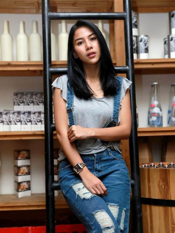 Artis FTV cewek cantik Adinda Thomas AKA Icha indonesia