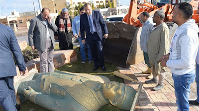 حادث تمثال أحمد زويل
