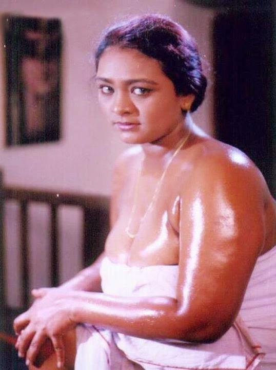 Shakila Sexy Boobs 34
